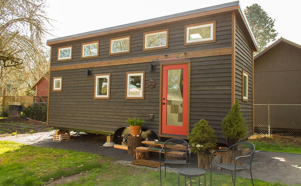 Hikari-Box-Tiny-House-Modern-Exterior.jpg