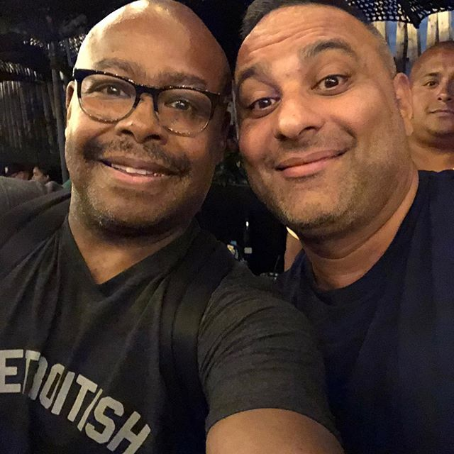 Chillin' with my new homie @russellpeters at the Deported World Tour Afterparty here in NY. BIG Shouts to the fam @djaveenyc @toneguitars @iamdarby and of course, Russell for making it an IMMEASURABLY OUTSTANDING time #nyc #toronto #thesix #comedy #comedian #worldtour #funny #hilarious #realtalk #hiphophead #hiphop #djlife #dj #roots #instafunny #laughs #greatnight