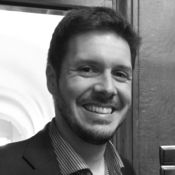 Quique Belenguer   Quique Belenguer es director de  mints&brains , una agencia especializada en comportamiento de consumidor y ciudadano, que desarrolla, entre otros, proyectos de economía del comportamiento para Empresas, ONGs y entidades Públicas. Es licenciado en Economía por la Universidad de Valencia, MSc en Sociedad de la Información y el Conocimiento en la UOC y executiv MSc en Behavioural Sciences en la London School of Economics.