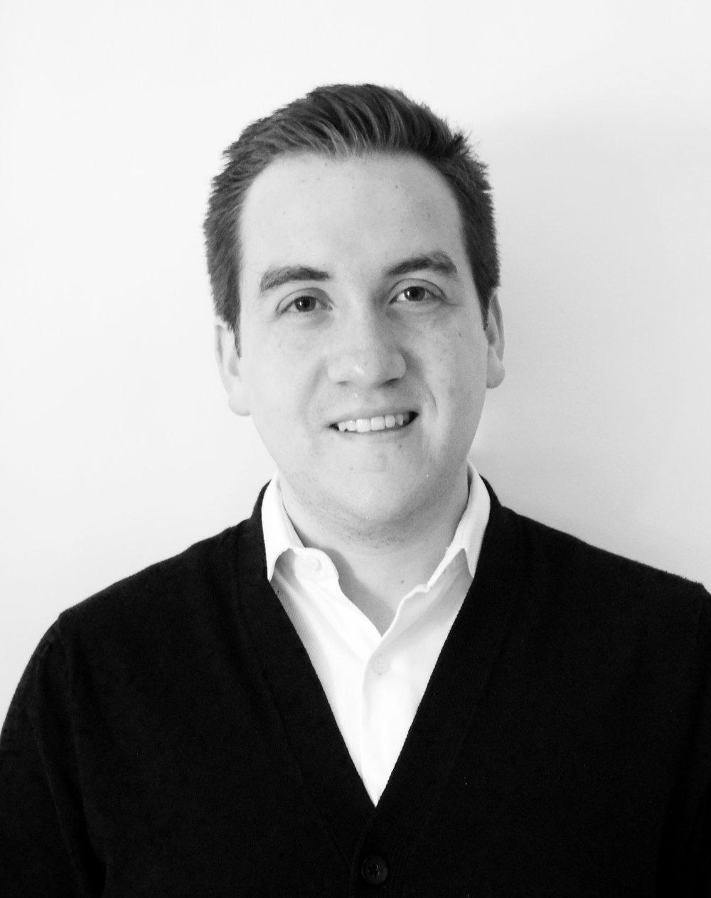 Alejandro Noriega   Alejandro es abogado del ITAM y candidato a maestro en políticas públicas en la  Harvard Kennedy School . Sus intereses se encuentran en la intersección entre el Derecho y las Ciencias del Comportamiento; la capacidad que esto presenta para diseñar regulación inteligente, así como en el potencial de los métodos empíricos para construir capacidad estatal en México.