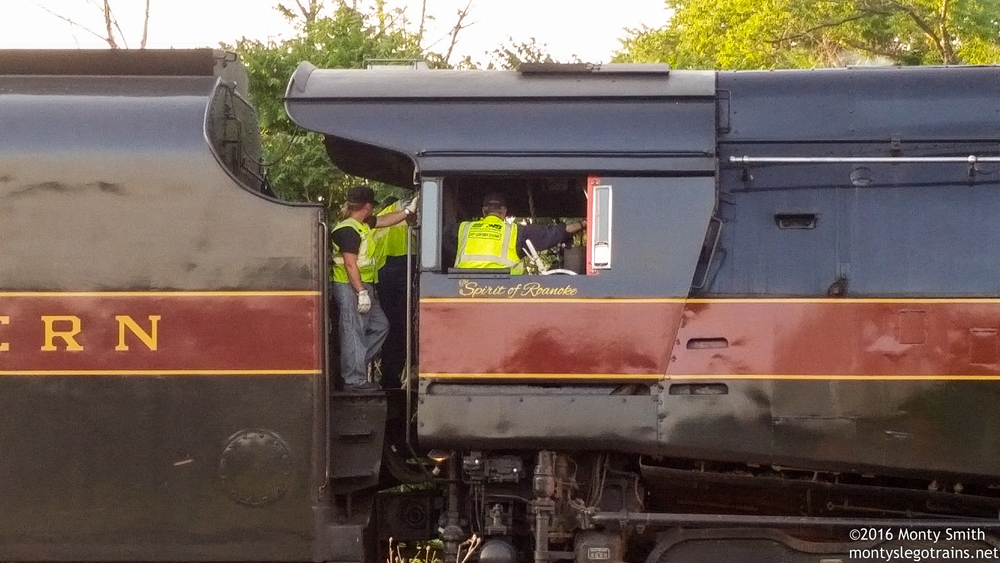 The 611 crew confers as they finish up with the ferry move from Roanoke on 6-1-16.