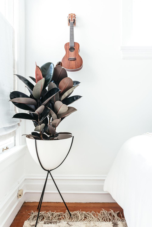 nicole-bedroom-makeover-16.jpg