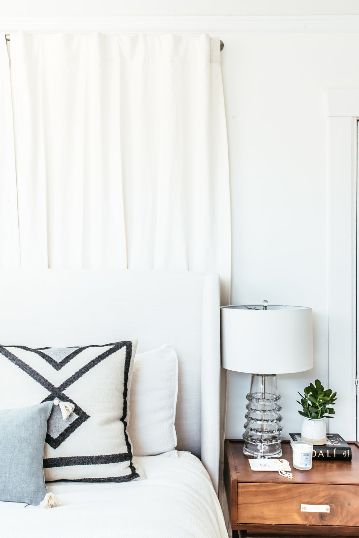 nicole-bedroom-makeover-22.jpg