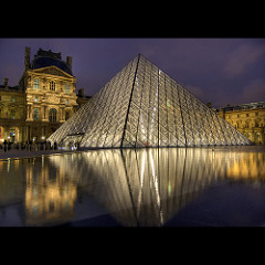Piramide del Louvre, Parigi. N.De pisapia