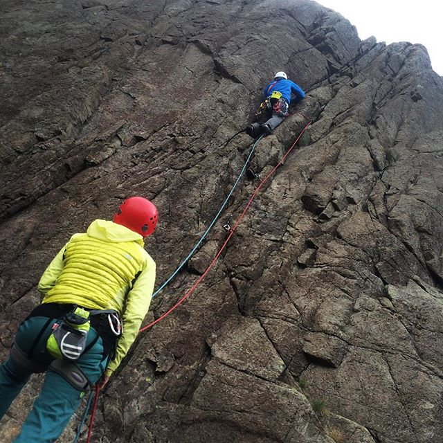 Geoff heading up the first climb of the day on Saturday morning at Wrynose Pass in the Lake District. #lakedistrict #wrynosepass #tradclimbing #outdoors #climbing #climbing_pictures_of_instagram #climbinglife #thamesvalleyclimbingclub #climbingclub #climbingrack #rockclimbing #adventure