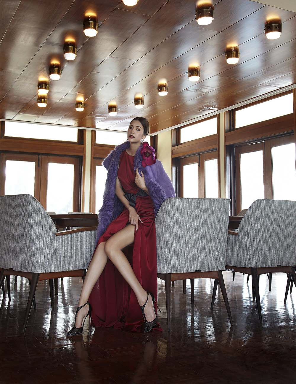 Actress : Marie Broenner @marie_broenner  Dress : Jemeriah / Fur Coat : Michael Kors / Shoes : Christian Louboutin  Location :บ้านพักรับรองแหลมแท่น