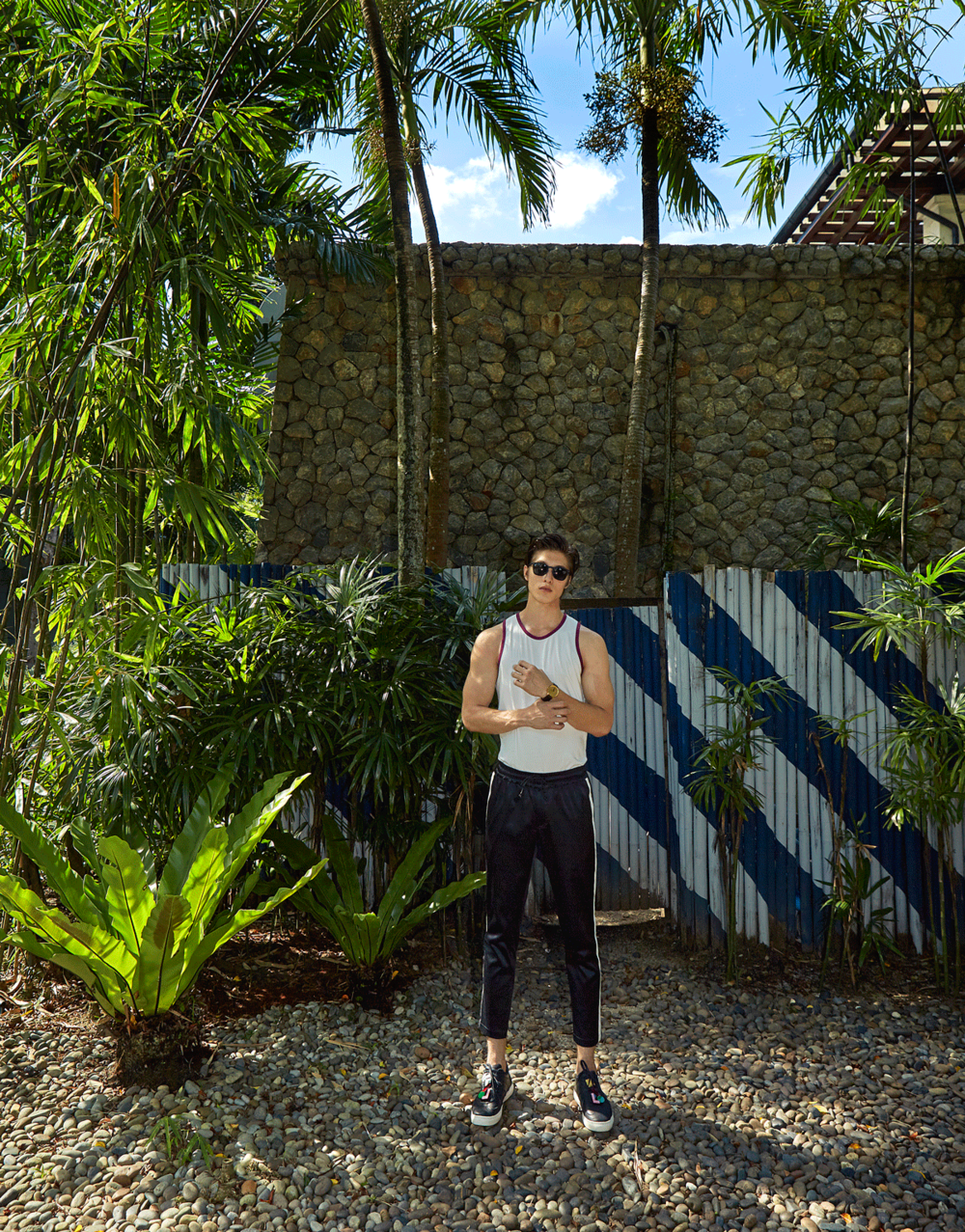 tank top : NOXX wear / pants and shoes : The Leisure Projects / sunglasses : See Concept
