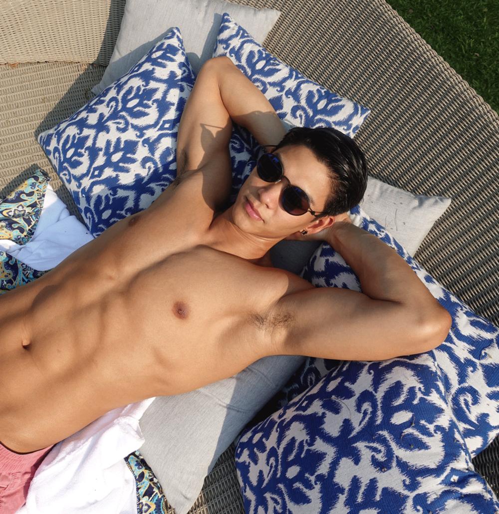 sunglasses : TAVAT