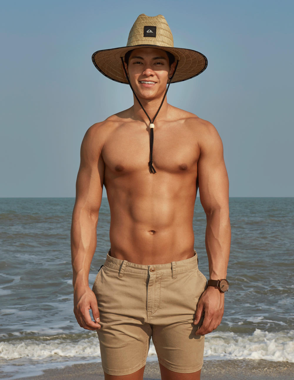 hat and shorts : Quiksilver / watch : FORREST