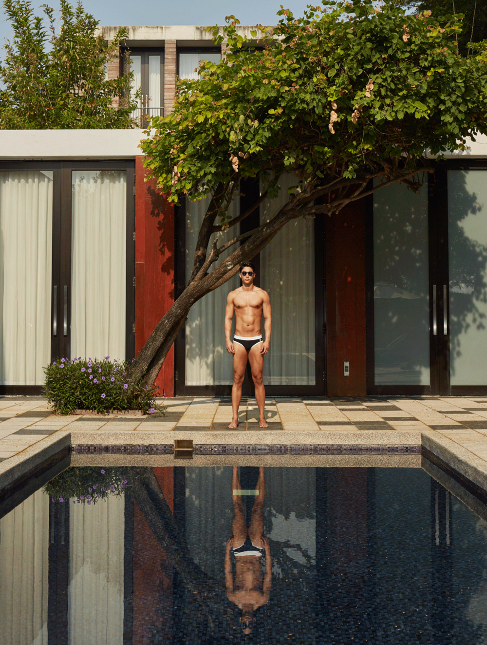 swimwear : NOXX / sunglasses : TAVAT