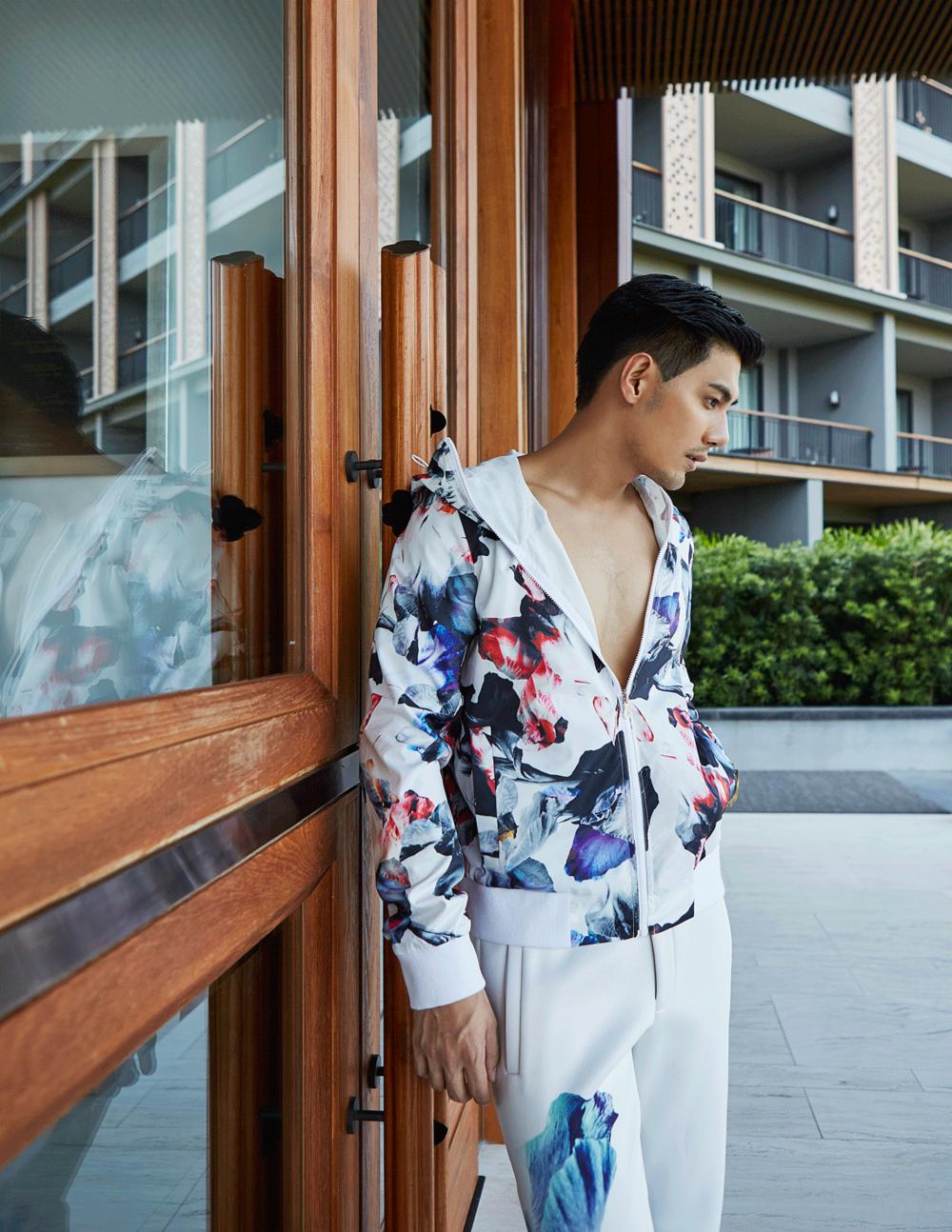 clothes : Calvin Klein Platinum/ watch : FORREST