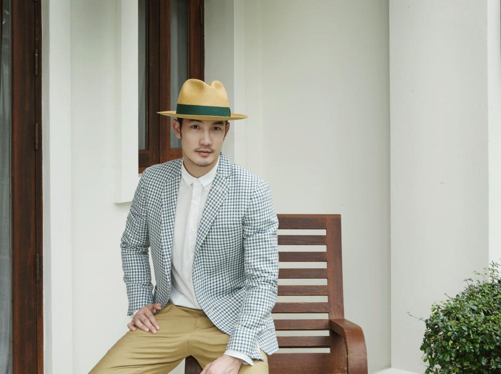 clothes : JBB* / shoes : Christian Louboutin / hat : Famosa Andina