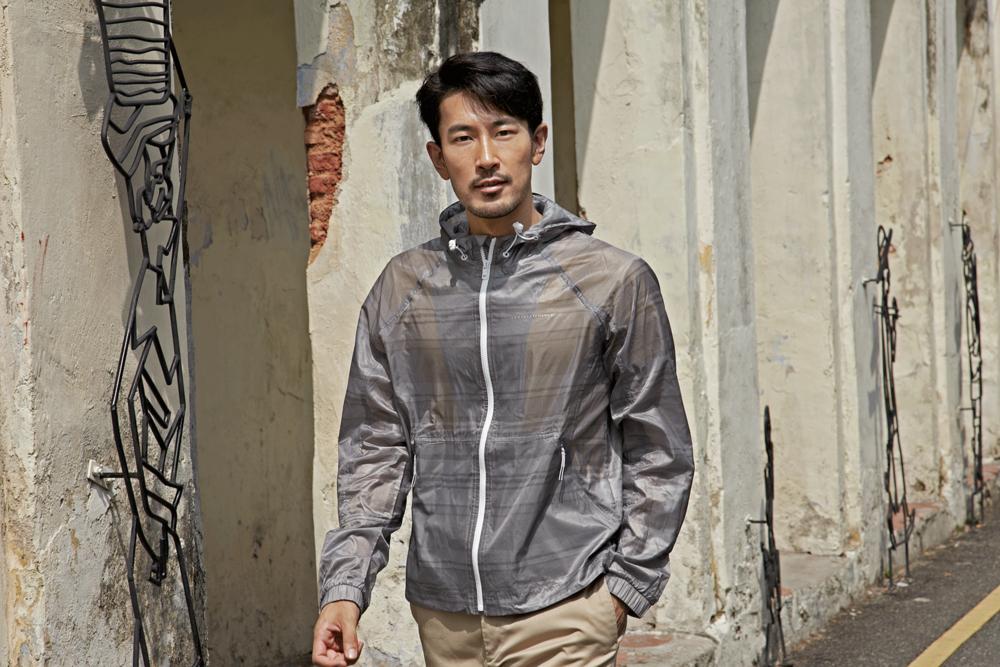 clothes : A/X Armani Exchange