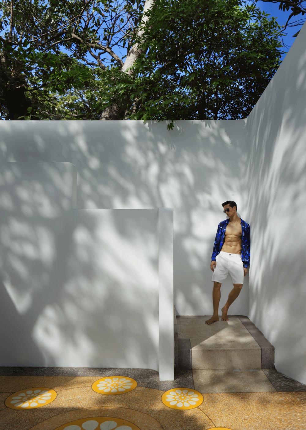 shirt : Emilio Pucci / shorts : A/X Armani Exchange / sunglasses : Emporio Armani
