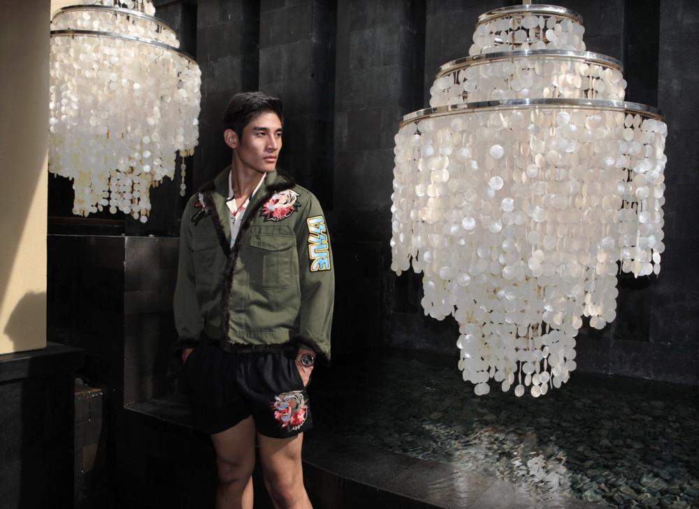 Clothes : ISSUE / watch : Calvin Klein minimal
