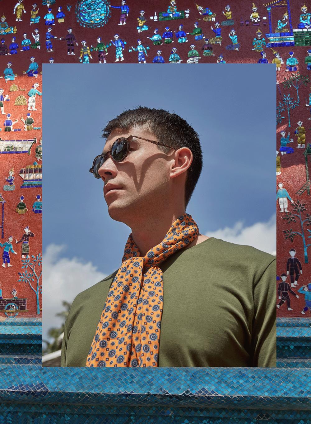 Tshirt : gingko / sunglasses : Tavat eyewear