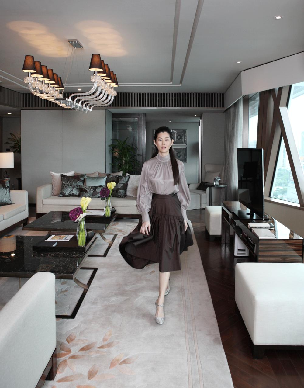 Suquan ; clothes and shoes : ASAVA
