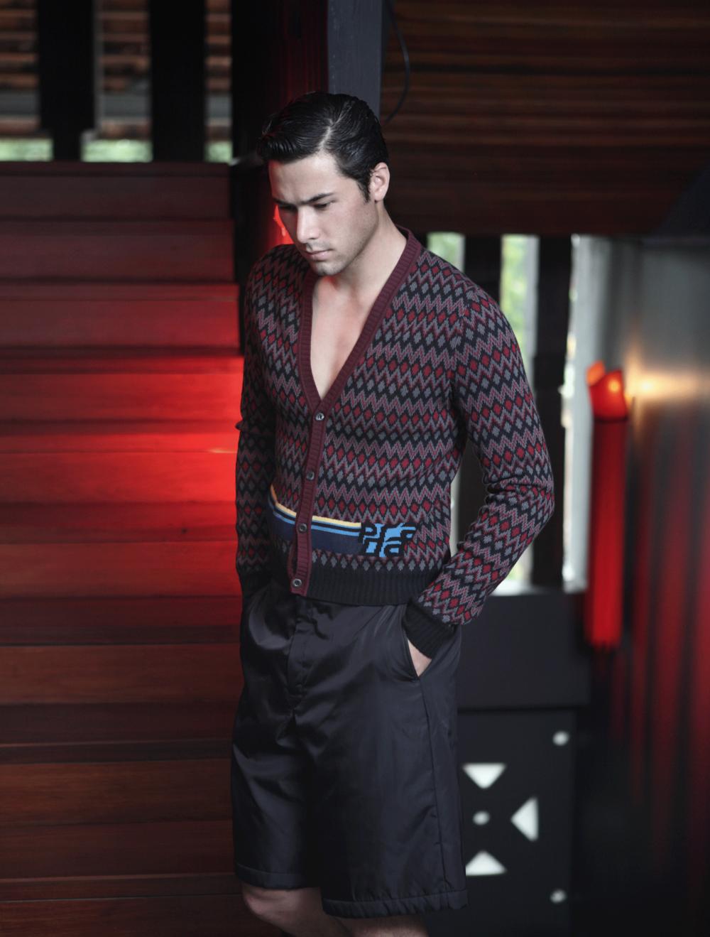 clothes : PRADA