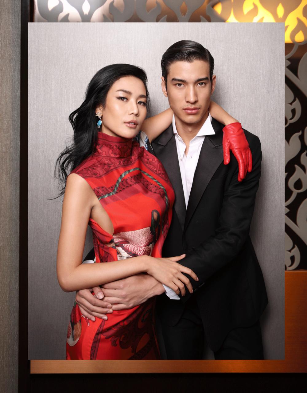 NING - dress & glove : Salvatore Ferragamo / earrings : 77th  MARK - clothes : VVONSUGUNNASIL