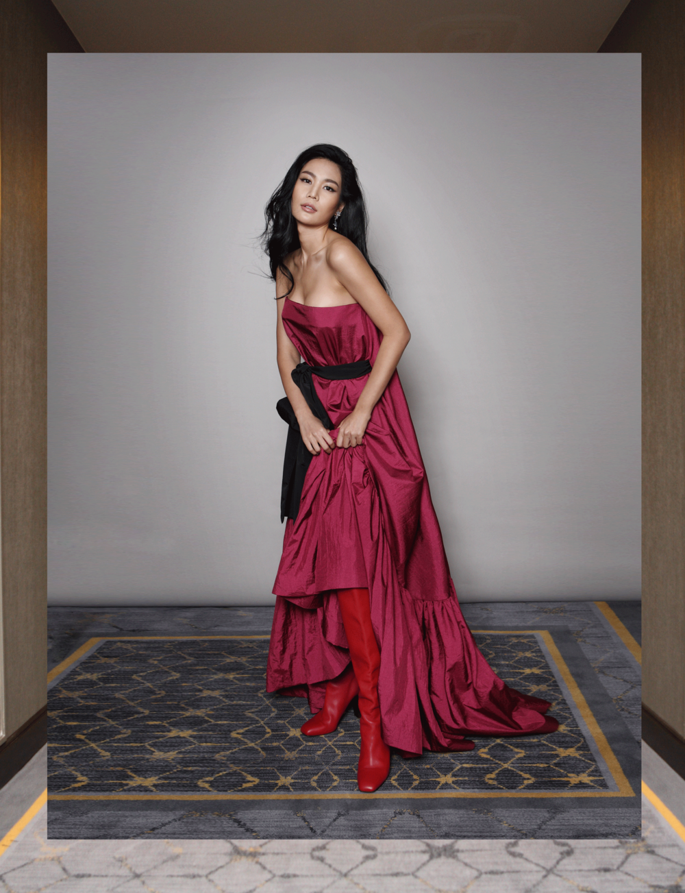 dress : ASAVA / boots : Salvatore Ferragamo / earrings : 77th
