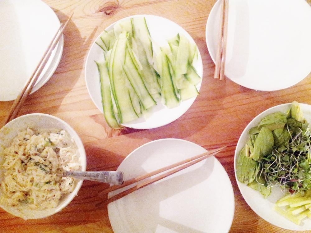 crab avocado and cucumber maki | seekthewelfare