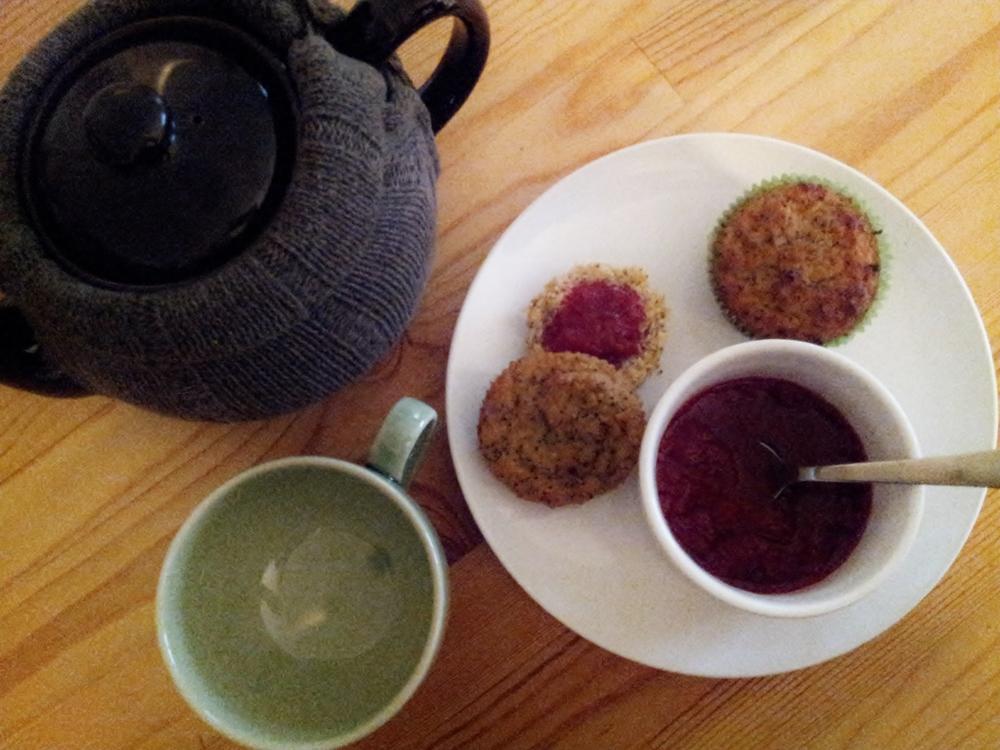 seekthewelfare // lemon poppyseed muffins