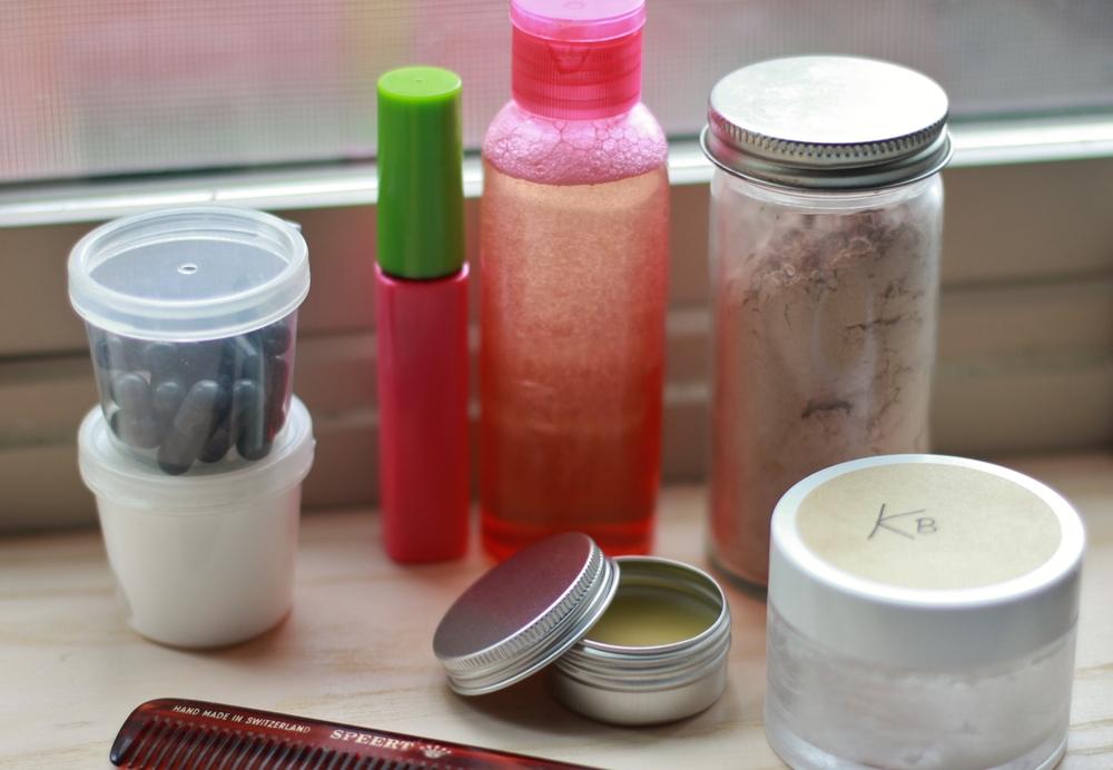 tiny travel cosmetics | seekthewelfare