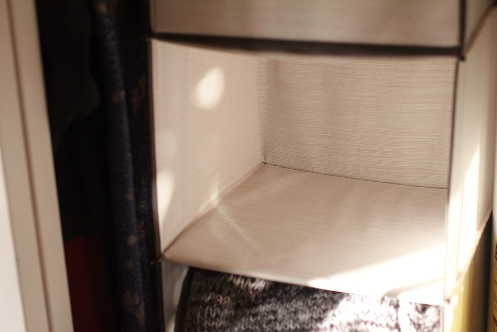 setting up  tiny guest room | seekthewelfare