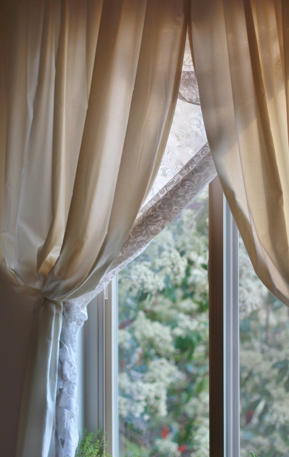 how to make beautifully affordable luxurious curtains | seekthewelfare
