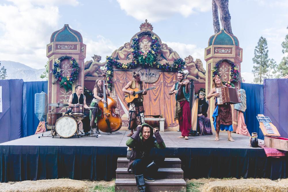 Live gypsy music