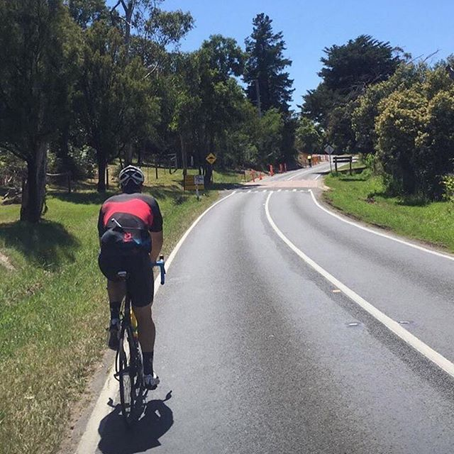 @toby_glennon out repping his @peaks4cf kit in Mt Eliza. #peaks4cf #4065challenge . . . #Repost @toby_glennon ・・・ Not a bad day for it 🚴🏼‍♂️☀️⛰🍺