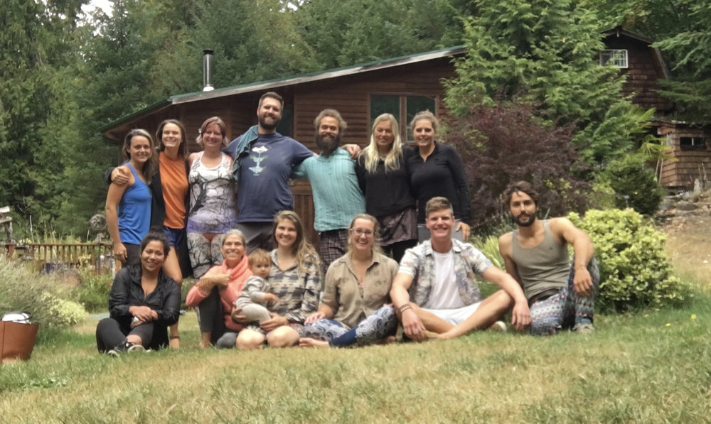 Galiano 2018 Group Pic.jpg