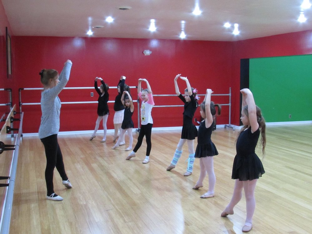 LEXINGTON ACADEMY OF DANCE - Tuesday and Thursday evenings in Willard.Click here to learn more.