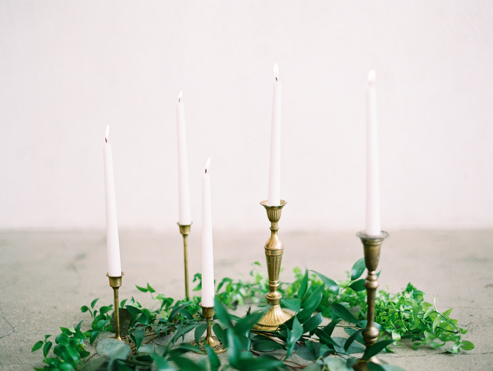 candles spring wedding decor
