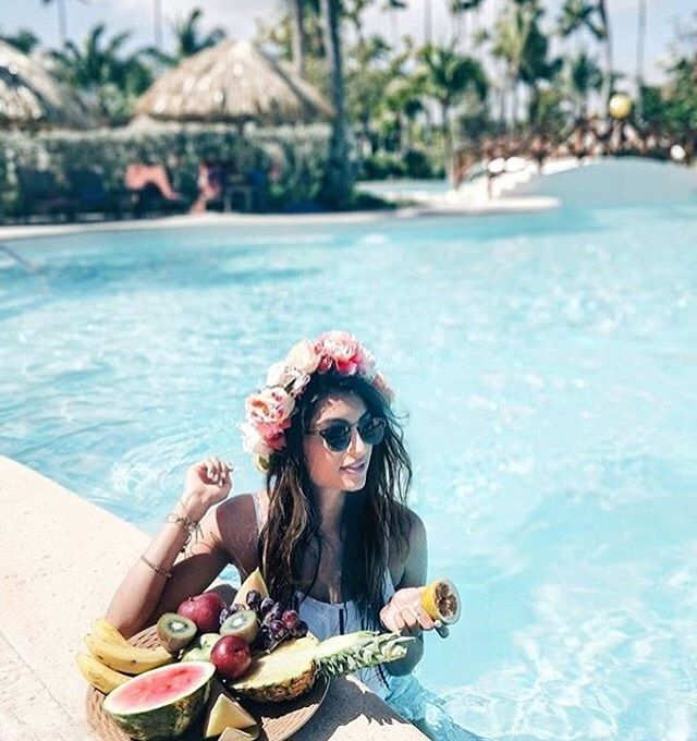"Double tap if this is your kind of GETAWAY!🙌🏻🌸💙 ⠀⠀⠀⠀⠀⠀⠀⠀⠀ @twosaparty_ wore her custom floral crown on her most recent trip to Punta Cana which allowed me to live vicariously through her a bit.😆 ⠀⠀⠀⠀⠀⠀⠀⠀⠀ With that said, I'm brainstorming some more fun, bright, tropical designs for a special ""honeymoon"" collection of crowns coming later this Spring!🌸🌿🌺🌼💐🌴 ⠀⠀⠀⠀⠀⠀⠀⠀⠀ #honeymoon #destinationwedding #flowercrown"