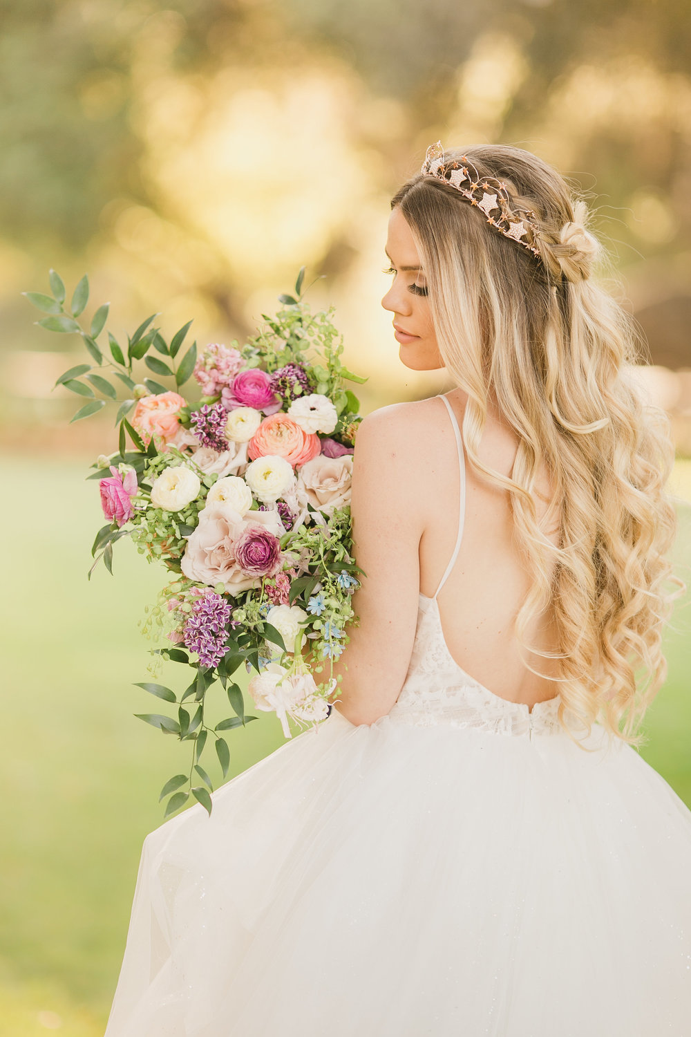 Rose-Gold-Star-Bridal-Crown-Bridal-Hairstyle-Rose-Gold-Unicorn-Styled-Shoot-with-Pastel-Colors-and-Magical-Details