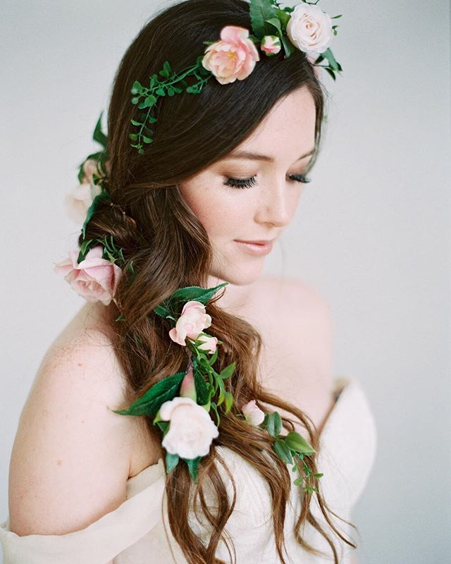 If I had a flower for every time I thought of you, I'd walk among a beautiful garden forever.🌸🌿 ⠀⠀⠀⠀⠀⠀⠀⠀⠀ ______ Photo by @mallorydawnphoto featuring the Aurora Floral Garland.🌿🌸 Hair and makeup by @nicol_artistry  Calligraphy by @alleyandco  Floral bouquets by @thebloomingbud  Rentals by @sweetsalvagerentals  China by @sundrop_vintage  Dresses by @jillianfellersbridal and @hyacinthbridal  Rings by @trumpetandhorn  Model @kdonovan101  Featured on @stylemepretty ⠀⠀⠀⠀⠀⠀⠀⠀⠀ ⠀⠀⠀⠀⠀⠀⠀⠀⠀ #love #marriage #flowers #flowerhair #hairgoals #bridalhair