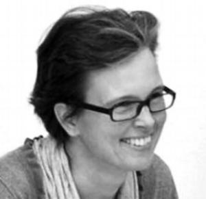 """Elisabeth Kühnelt-Leddihn Elisabeth ist seit 15 Jahren Mitarbeiterin des Johanniter Unfalldienstes und seit 2010 Leiterin der Abteilung """"Pflegenotdienst""""und seit 28 Jahren ehrenamtlich tätig. Für die Entwicklung unserer Produkte ist sie unser interner PowerUser und gibt uns wertvolles Feedback bzgl. Bedienung und Benutzerfreundlichkeit."""