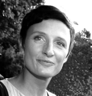 Sandra Stromberger Sandra berät national und international agierende Unternehmen im DigitalBereich.Sandra bringt in das Help2DayProjektteam ihre langjährige Erfahrung im Bereich der Entwicklung von digitalen Medien und Tools ein. Auch ihre Erfahrung als Geschäftsführerin ist für Help2day wertvoll und wichtig.