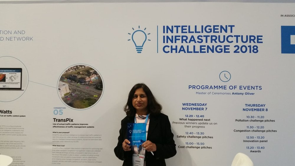Aparna Garg with the Highways UK Intelligent Infrastructure Innovation Challenge Award.