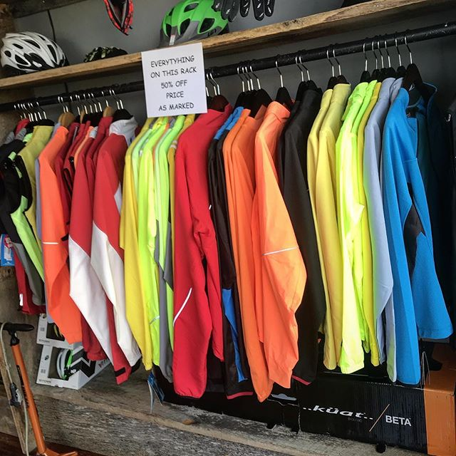 Winter ain't over but one's the time to get a deal on Winter riding gear! At our Grandin shop there's a huge assortment of jackets, vests, and Winter jerseys at 50% off. Even some Summer Apparel like baggies and short-sleeved jerseys. Come on by!