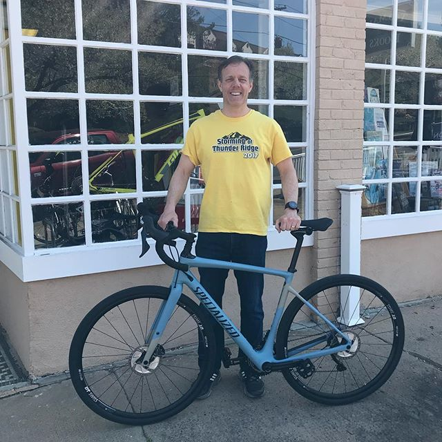 #newbikeday for Rick with a @iamspecialized Diverge Comp. With all of the great gravel in our area this is a perfect choice!