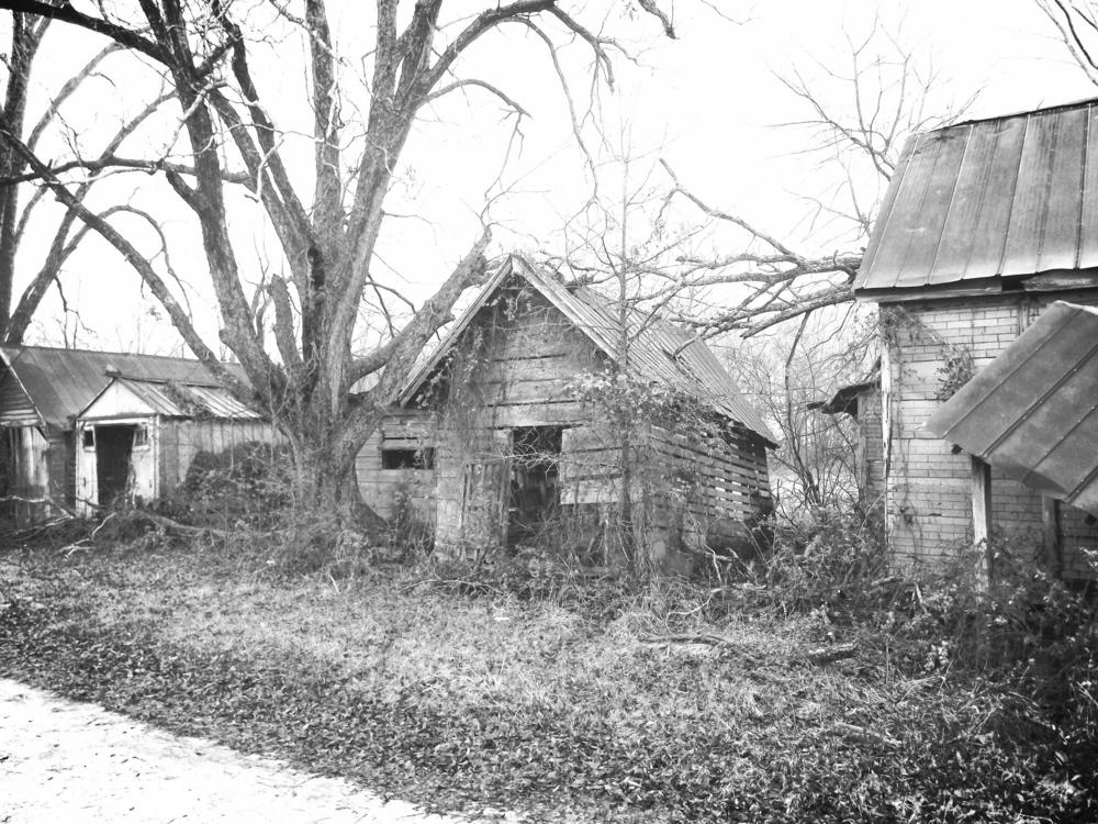 Gunn Farm Cooks House, Chicken Coop and Car Garage