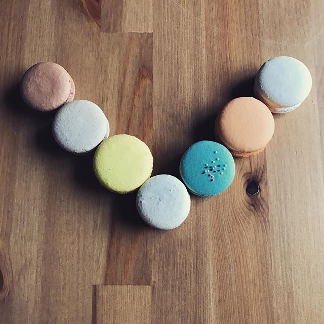 vacation time for us!! we hope everyone is having a great summer so far #vacation #summertime #macarons