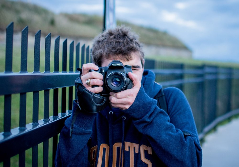 Devon Chisholm - Freelance Photographer, Graphic , & Web Designer