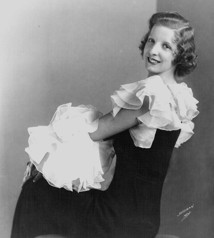 Dorothy 1925 copy.jpg