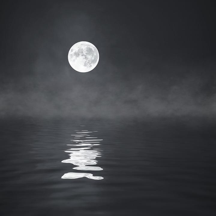 moon-2831917_960_720.jpg
