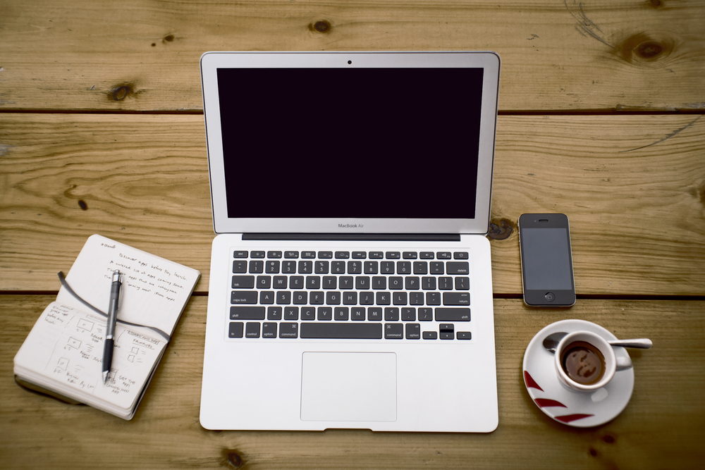 coffee-apple-iphone-laptop.jpg