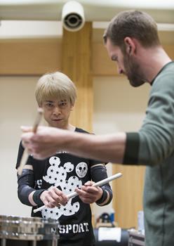 Naoki-san teaching me percussion for Blast
