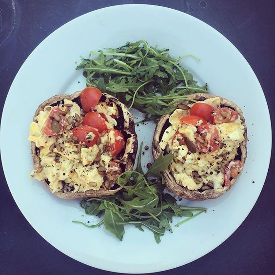What you will need;  2 Eggs, rocket salad, Spring Onion, 2 large mushrooms, cherry tomatoes